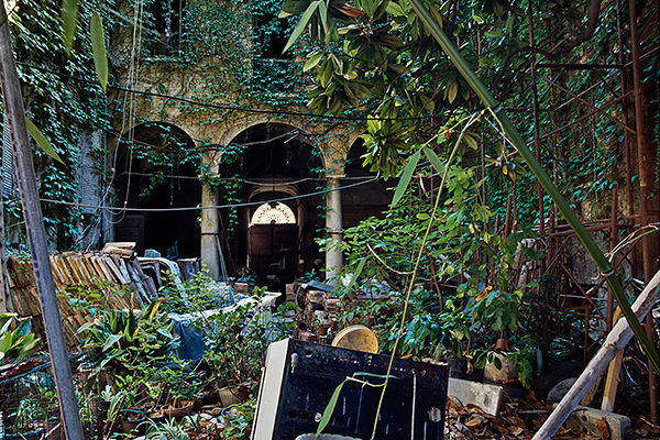 12.Courtyard-onset-of-erosion-and-rot