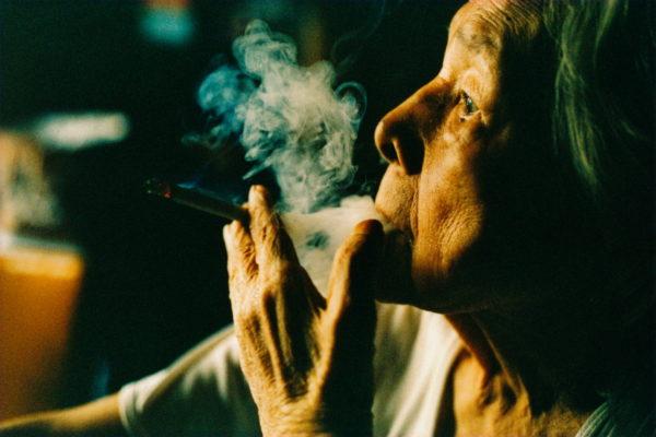 04_Eriko Koga_Asakusa Zenzai_Smoking_2003_24×36mm