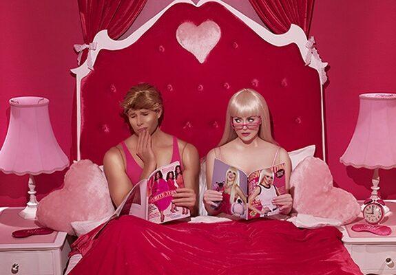 Dina-Goldstein-BedroomMagazines