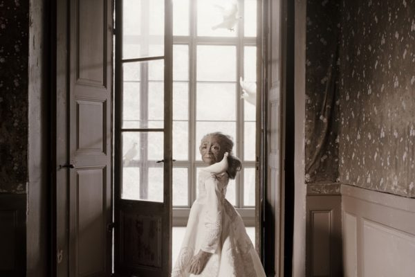 """""""The ivory dress"""", from the Florentine suite. Size 120x95 cm."""
